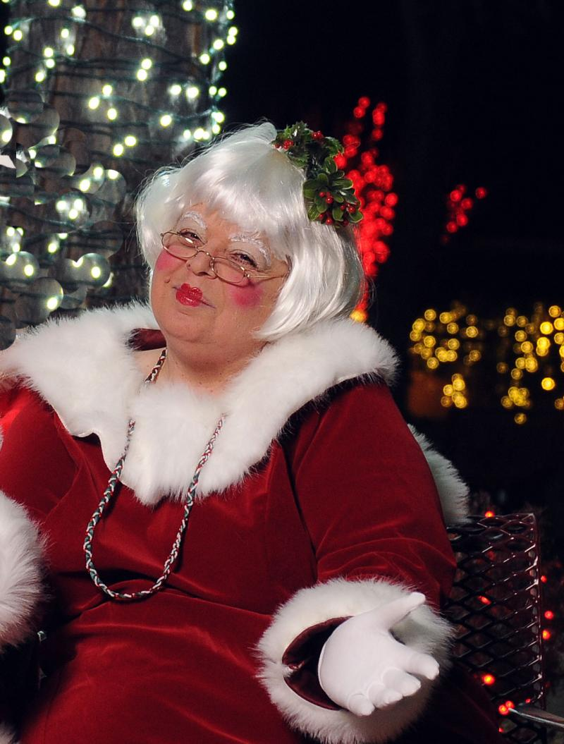 Mrs. Claus at Cliff;s